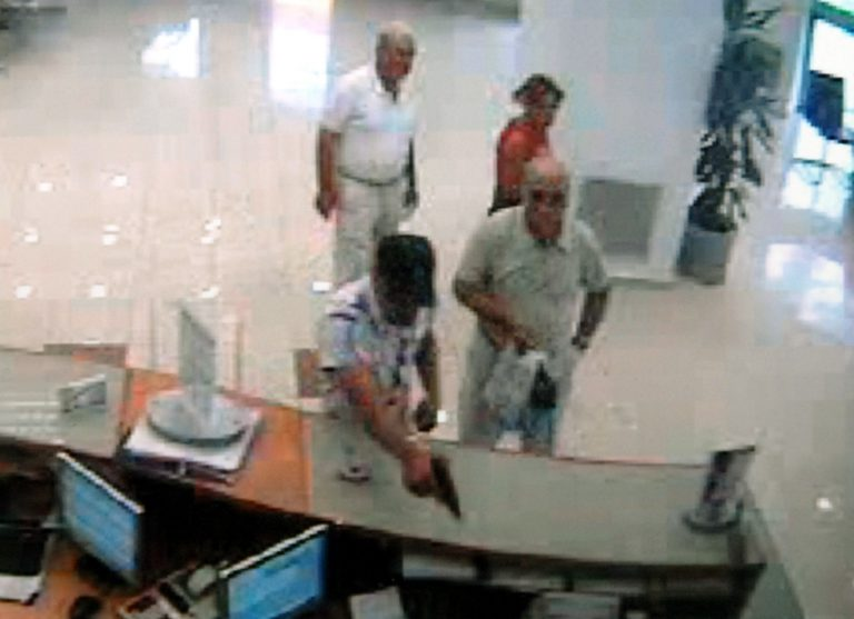 Εύβοια: Λύθηκε το μυστήριο γύρω από τη ληστεία της 10ετίας! | Newsit.gr
