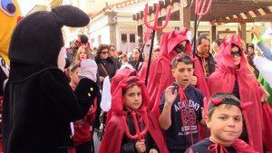 Λήμνος: Καρναβαλική παρέλαση στη Μύρινα – Κέφι, χορός και ευφάνταστες μεταμφιέσεις [vid]