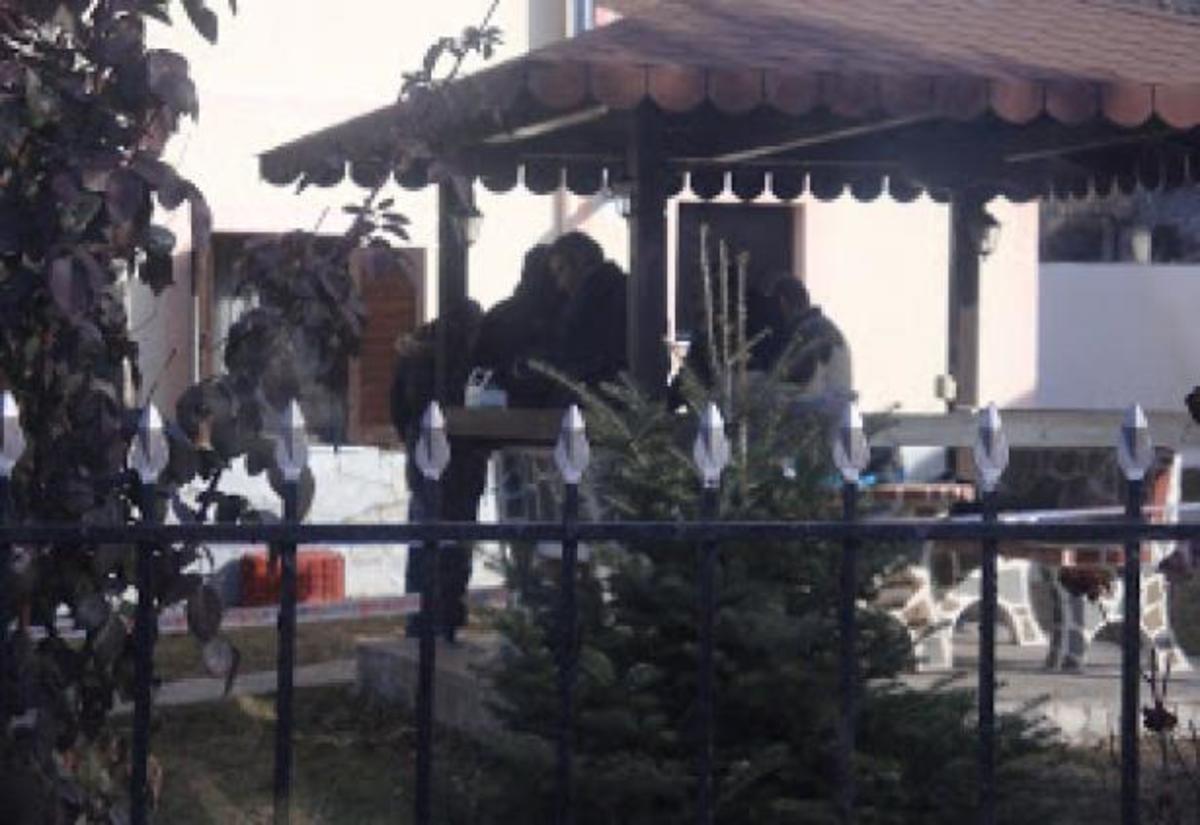 Θρήνος και… προσαγωγές στην Ξάνθη για τη δολοφονία των δύο αδερφών | Newsit.gr