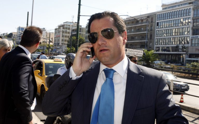 Άδωνις εναντίον Κασιδιάρη στο twitter | Newsit.gr