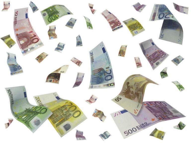 Να που πήγαν τα λεφτά! Ο Δήμος Βέροιας πληρώνει 7.400 ευρώ το μήνα ενοίκιο για τις υπηρεσίες εκπαίδευσης | Newsit.gr
