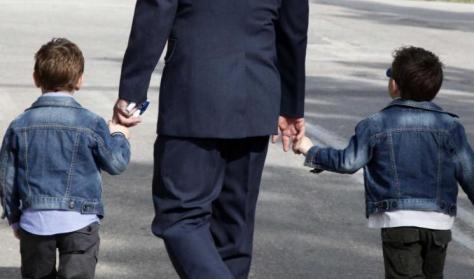2 χρόνια άνευ αποδοχών σε στρατιωτικούς με παιδιά. Υπογράφτηκε η απόφαση | Newsit.gr