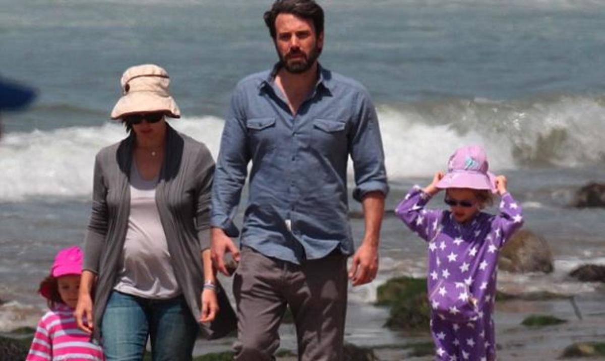 Jennifer Garner – Ben Affleck: Eυτυχισμένες στιγμές στην παραλία με τα τρία παιδιά τους! | Newsit.gr