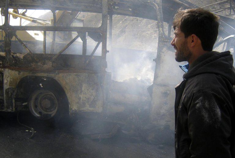 Επίθεση καμικάζι με 10 νεκρούς | Newsit.gr
