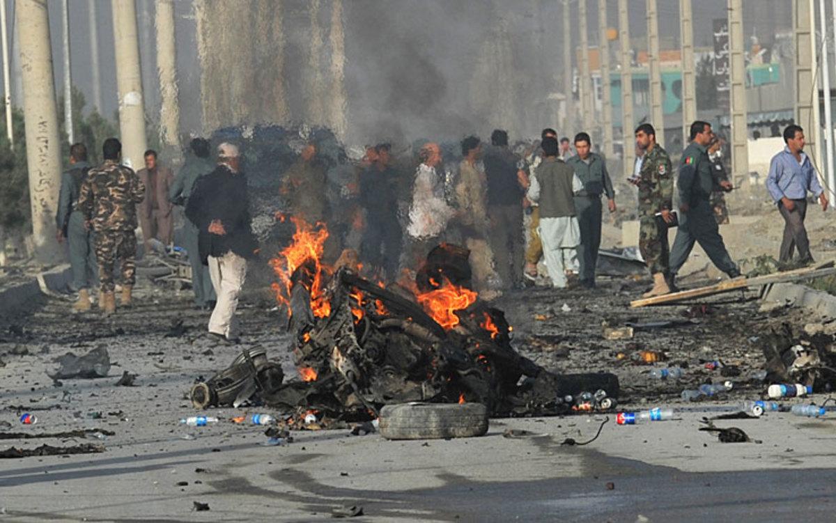 Δέκα αστυνομικοί νεκροί από επίθεση καμικάζι στο Αφγανιστάν | Newsit.gr