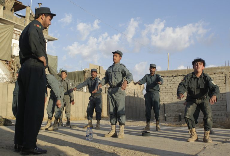 Νεκροί 4 αστυνομικοί στο Αφγανιστάν   Newsit.gr