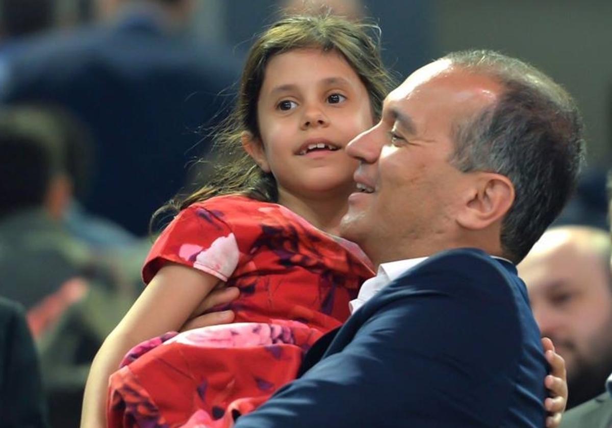 Ολυμπιακός: Οι πανηγυρισμοί του Γιώργου Αγγελόπουλου με την κόρη του! [pics]