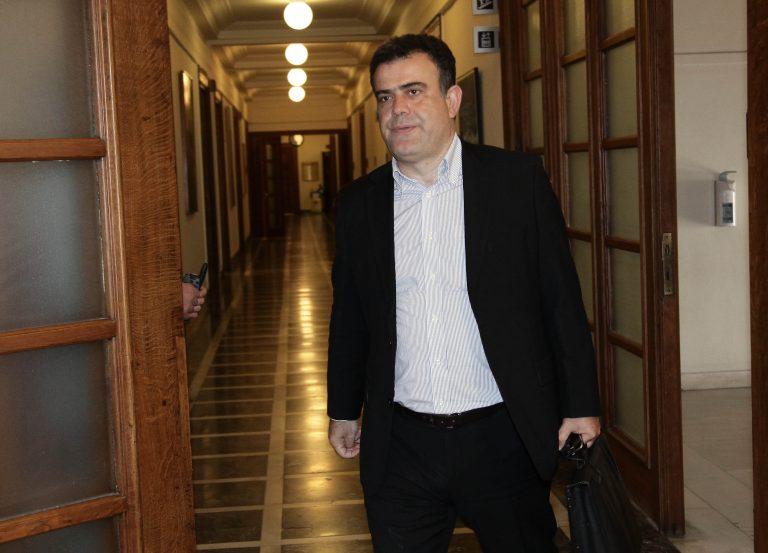 Η σιωπή του ΠΑΣΟΚ στα σκληρά λόγια του βουλευτή Αηδόνη | Newsit.gr
