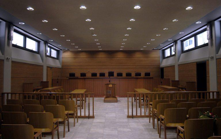 Κόρινθος: Τηλεφώνημα φάρσα για τοποθέτηση βόμβας στα δικαστήρια! | Newsit.gr