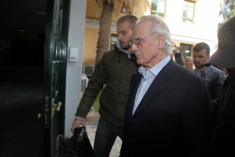Η κοινωνία των παθών και ο επιτάφιος του Άκη   Newsit.gr