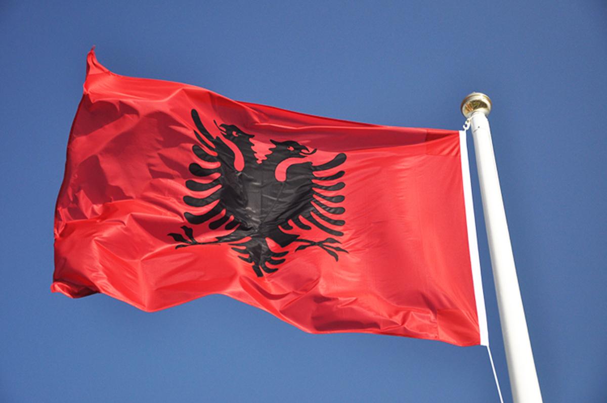 Ιθαγένεια σε όλους τους Αλβανούς των Βαλκανίων δίνει ο Μπερίσα | Newsit.gr