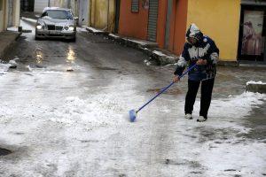 Κακοκαιρία: Δέκα οι νεκροί από το κρύο στην Αλβανία