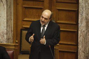 Αλεξιάδης: «Προϋπόθεση για να πετύχει το πλαστικό χρήμα ο ακατάσχετος λογαριασμός»