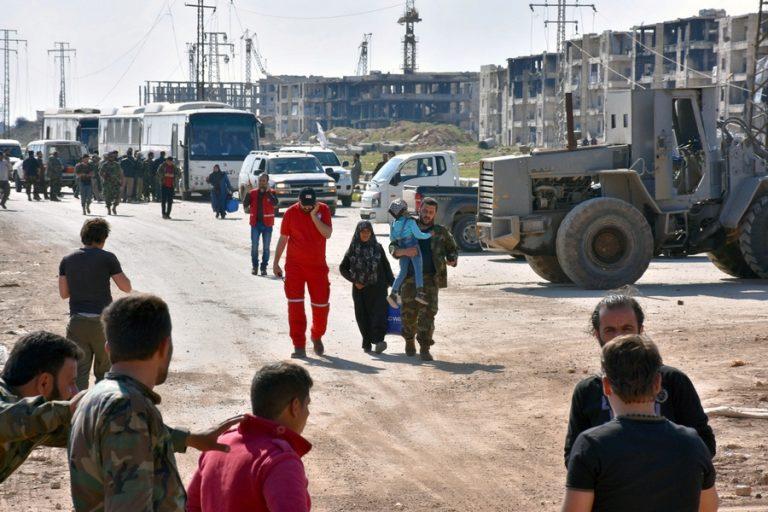 Πάνω από 3.000 Σύροι εγκλωβισμένοι στο Χαλέπι | Newsit.gr