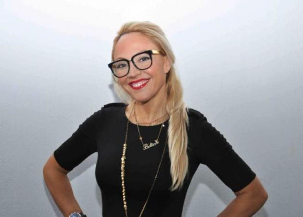 H Aλεξάνδρα Κατσαίτη σε περιμένει στη Stefanel στο Κολωνάκι! | Newsit.gr