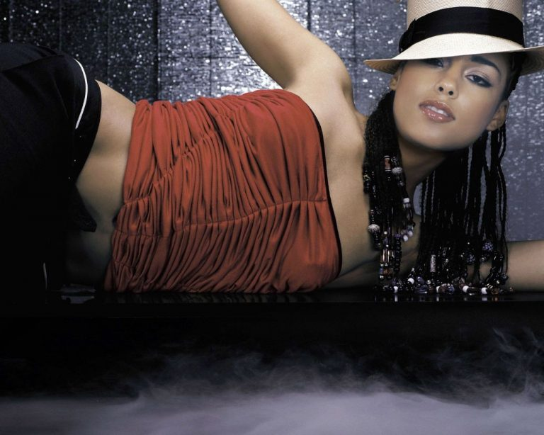 Έγκυος η Alicia Keys; | Newsit.gr