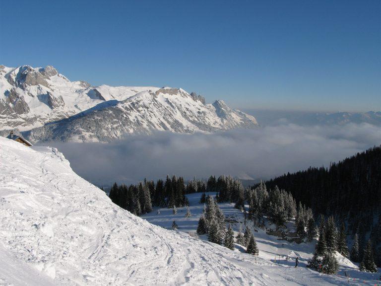 37 άνθρωποι έχασαν την ζωή τους από χιονοστιβάδες | Newsit.gr