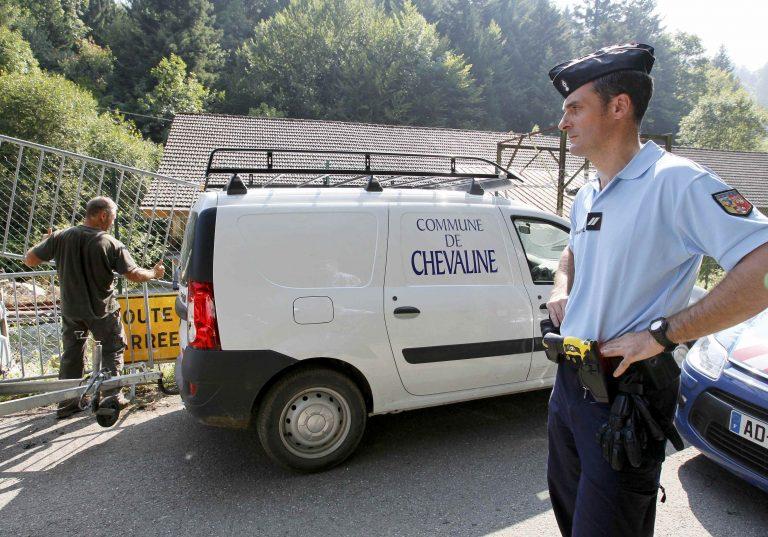 Στήριξη στα κοριτσάκια που γλίτωσαν από το μακελειό στις Άλπεις   Newsit.gr