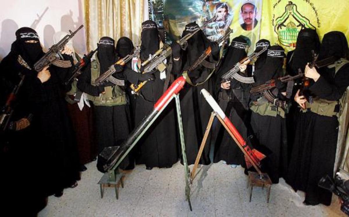 Γιατί αφέθηκαν ελέυθερες 5 κρατούμενες που συνδέονται με την Αλ Κάιντα; | Newsit.gr