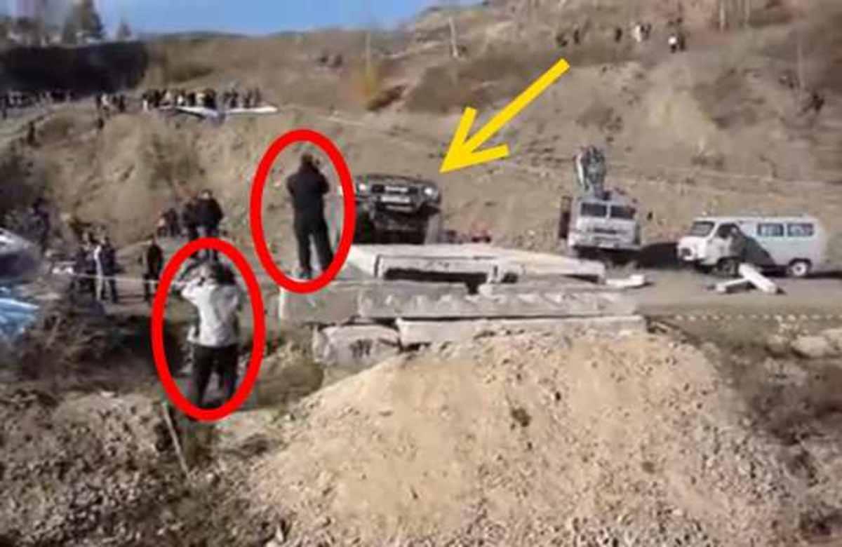 ΣΟΚ! Ένα τζιπ πάτησε δύο cameramen ζωντανα στον αέρα! | Newsit.gr