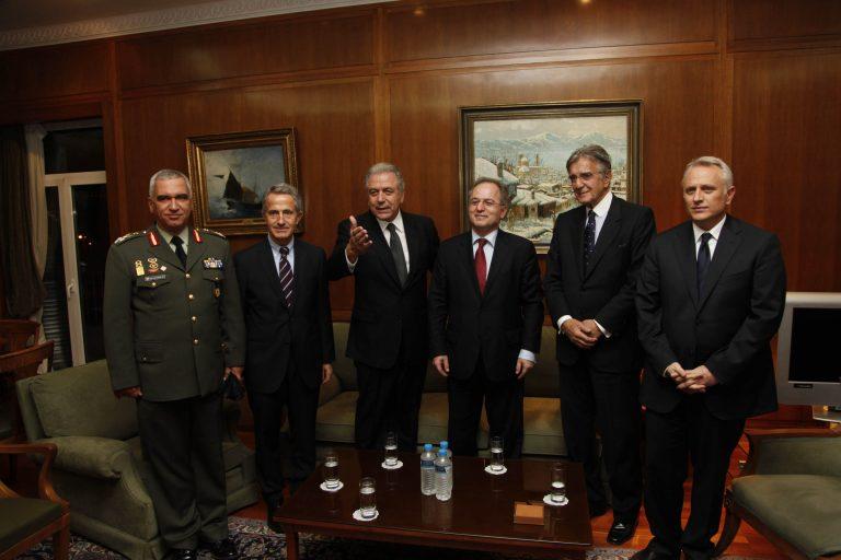 Τσακώνονται για τις καρέκλες στο Υπουργείο Εθνικής Άμυνας | Newsit.gr