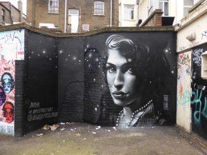 Amy Street Art Trail: Το «μονοπάτι» της Έιμι Γουάινχαουζ στο Λονδίνο