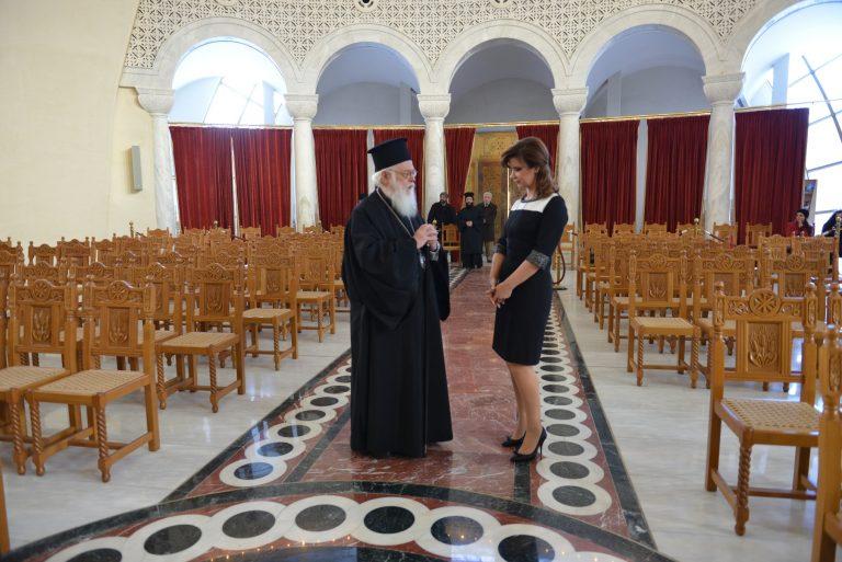 Ο Αρχιεπίσκοπος Αλβανίας, Αναστάσιος, μιλά για τις ελληνοαλβανικές σχέσεις, για το ρατσισμό και την οικονομική κρίση! | Newsit.gr