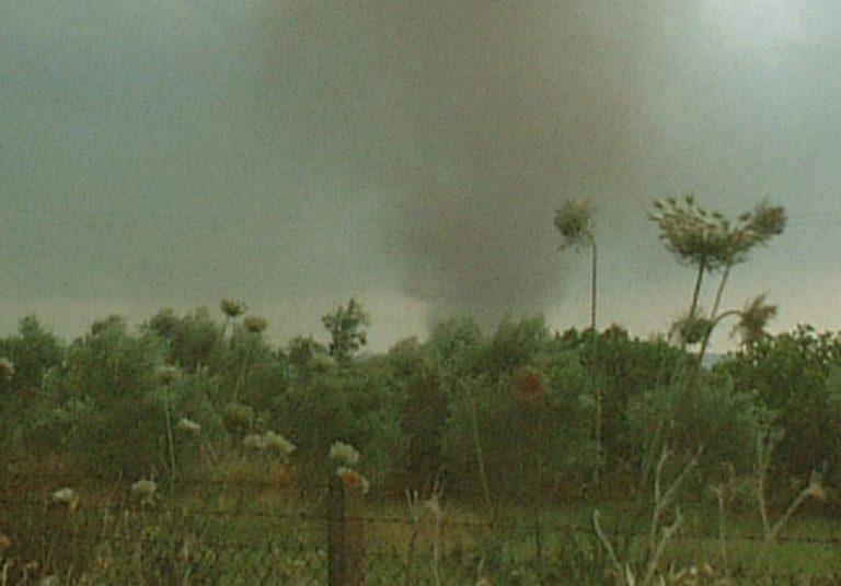 Πρέβεζα: Ανεμοστρόβιλος προκάλεσε καταστροφές στην περιοχή της Ανθούσας | Newsit.gr