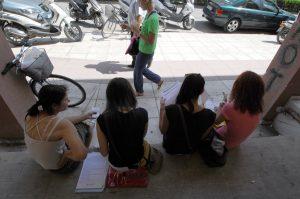 Πάνω από 1,2 εκατομμύρια οι άνεργοι στην Ελλάδα – Αυξήθηκε η ανεργία στη μέση της τουριστικής σεζόν
