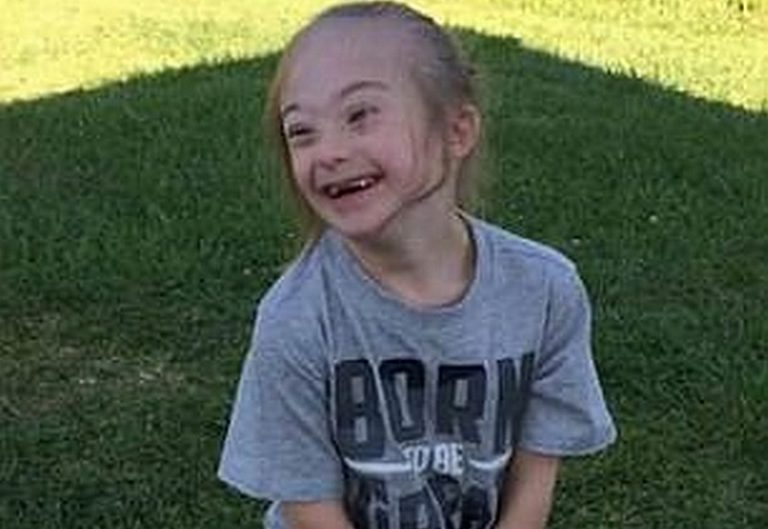 Απίστευτη φωτογραφία! 7χρονος με σύνδρομο Down έβγαλε τον φύλακα άγγελό του | Newsit.gr