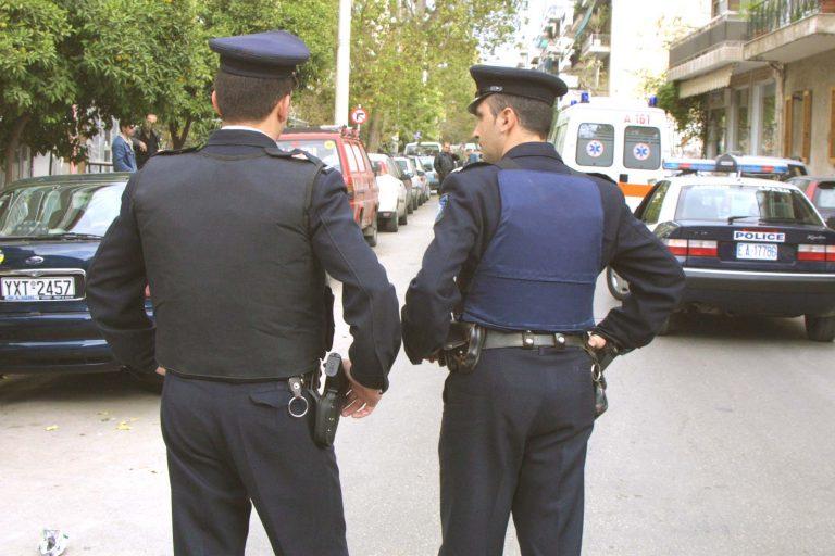 Συμμορία ανηλίκων σπέρνει τον τρόμο στους δρόμους   Newsit.gr