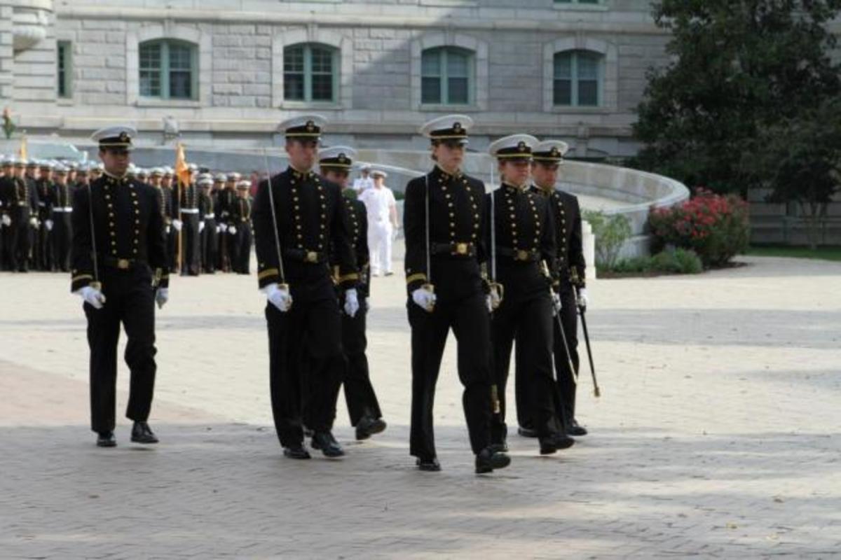 Γυναίκα αρχηγός στη Ναυτική Ακαδημία Annapolis των ΗΠΑ –  ΦΩΤΟ | Newsit.gr