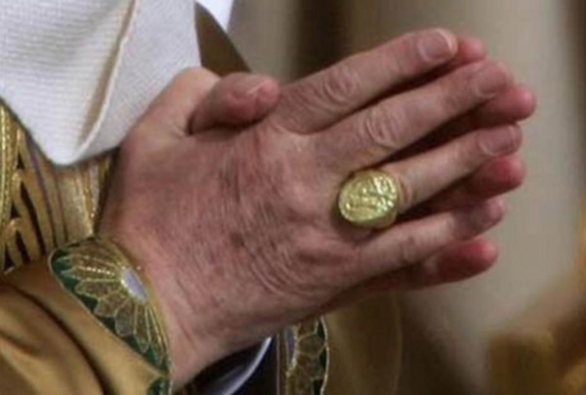 Ο Πάπας Φραγκίσκος ζήτησε το «δαχτυλίδι του ψαρά» να μην είναι χρυσό   Newsit.gr