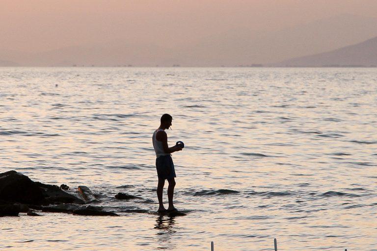 Φωκίδα: Βούτηξε για να εκπληρώσει το τάμα του και πέθανε! | Newsit.gr