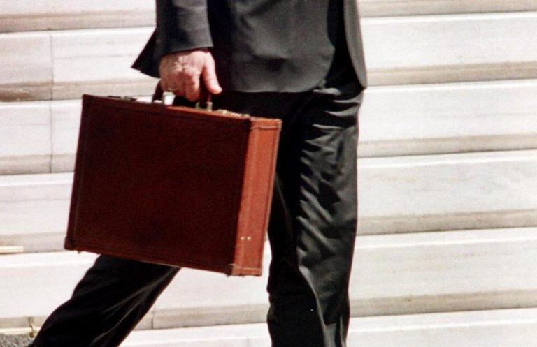Αιτωλοακαρνανία: Πρώην Αστυνομικός έκανε τον υπάλληλο Υπουργείου και έταζε επιδοτήσεις με… το αζημίωτο! | Newsit.gr