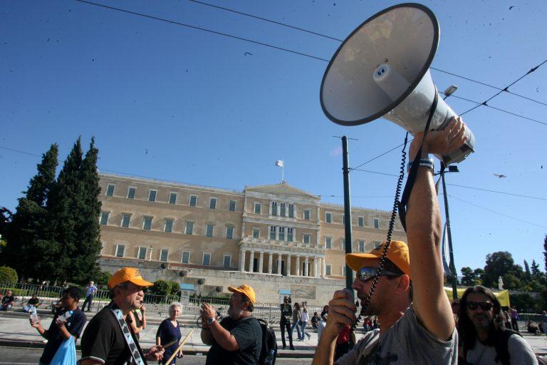 Θύελλα αντιδράσεων για το νόμο που «φρενάρει» τις απεργίες | Newsit.gr