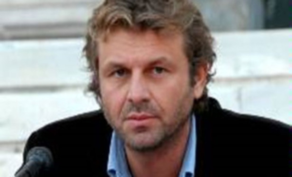 Ποιος ηθοποιός παίρνει το ρόλο του Απόστολου Γκλέτσου; | Newsit.gr