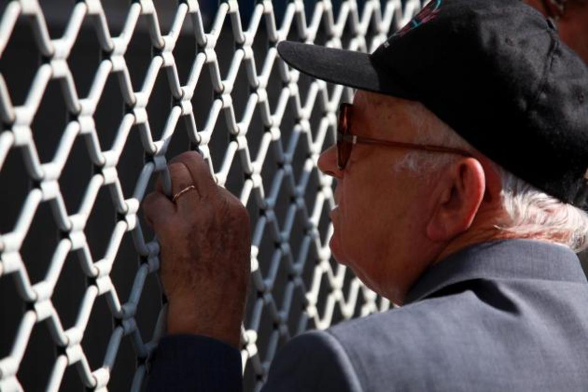 Ελεύθερη η εργασία για απόστρατους-συνταξιούχους για ένα ακόμη χρόνο   Newsit.gr
