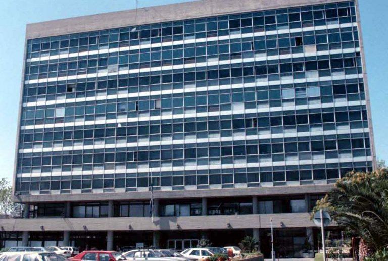 Θεσσαλονίκη: 24ωρες απεργίες αρχίζουν από αύριο οι εργαζόμενοι στις εργολαβίες του ΑΠΘ | Newsit.gr