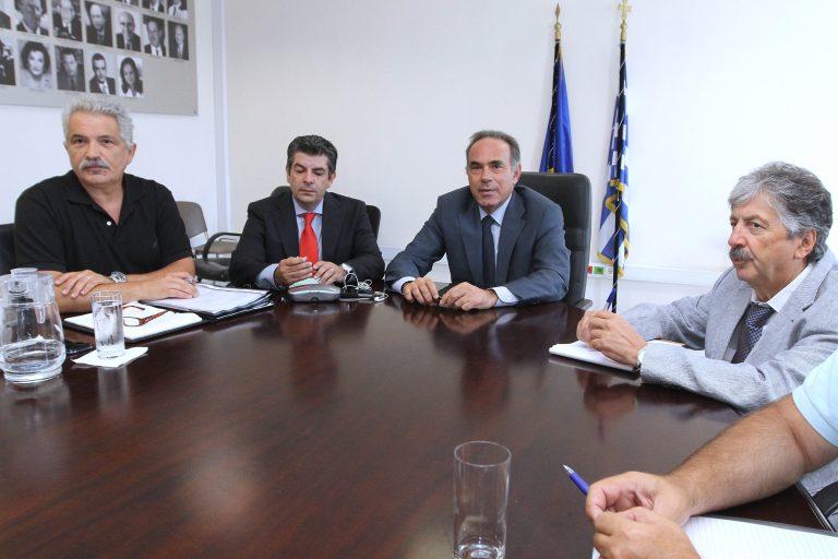 «Δε θα γίνουν περικοπές σε εκπαιδευτικούς και σχολεία» | Newsit.gr