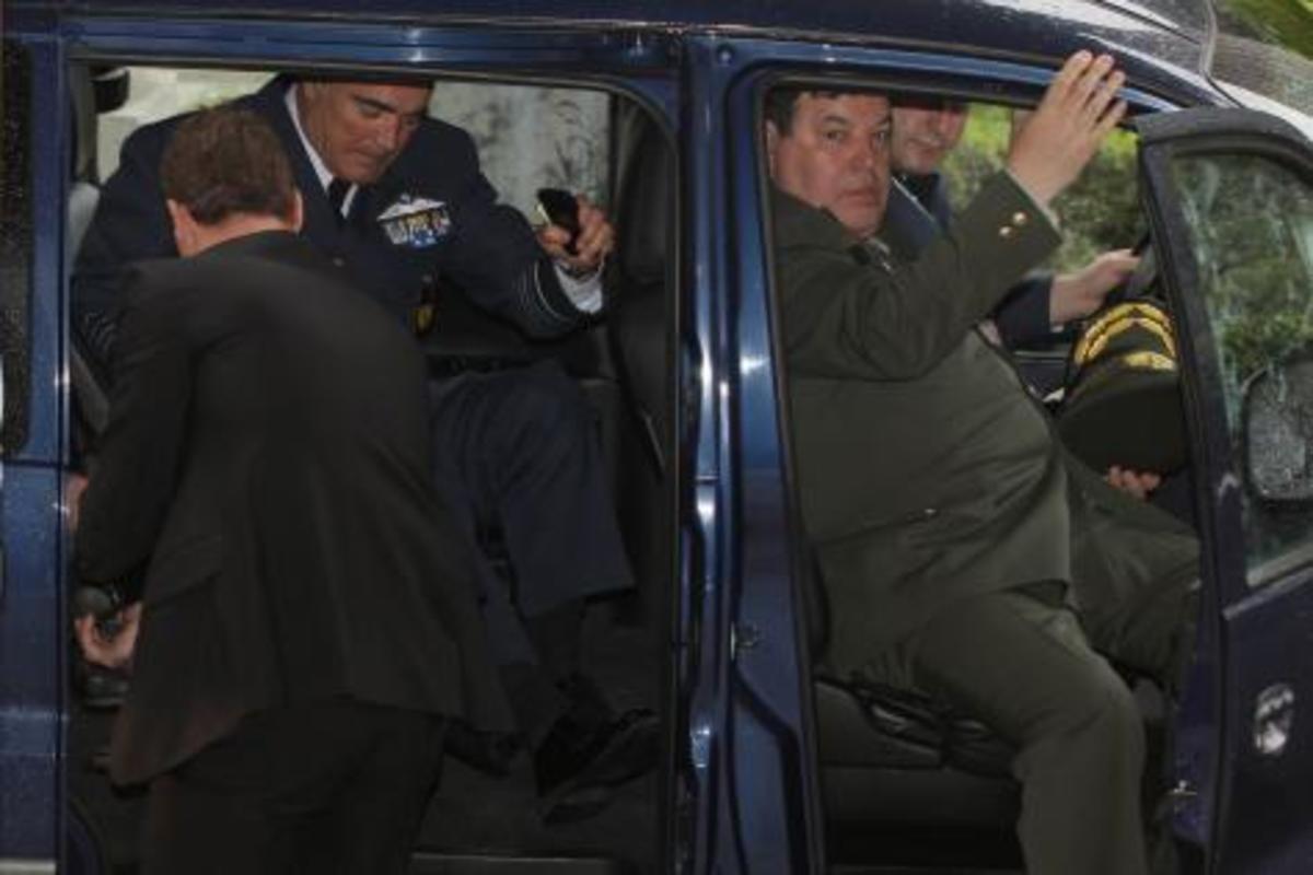 Οι κρίσεις Αρχηγών, ο Μπεγλίτης…και το πραξικόπημα! | Newsit.gr