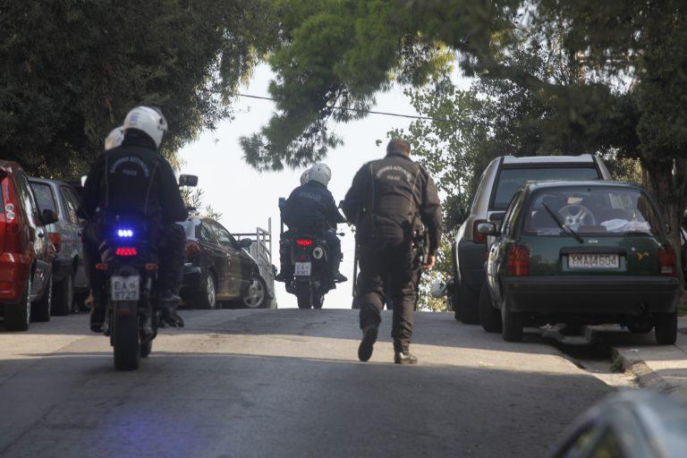 Πανικός στον Κολωνό απ' τη ληστεία στο δρόμο | Newsit.gr