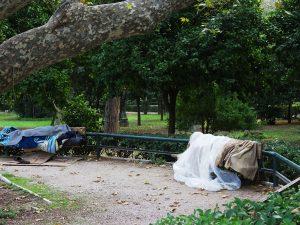 Ανοιχτοί από σήμερα θερμαινόμενοι χώροι για τους άστεγους στην Αθήνα
