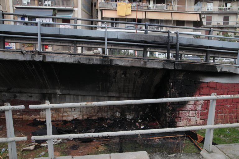 Στην εντατική άστεγος μετά από φωτιά στο κατάλυμά του | Newsit.gr