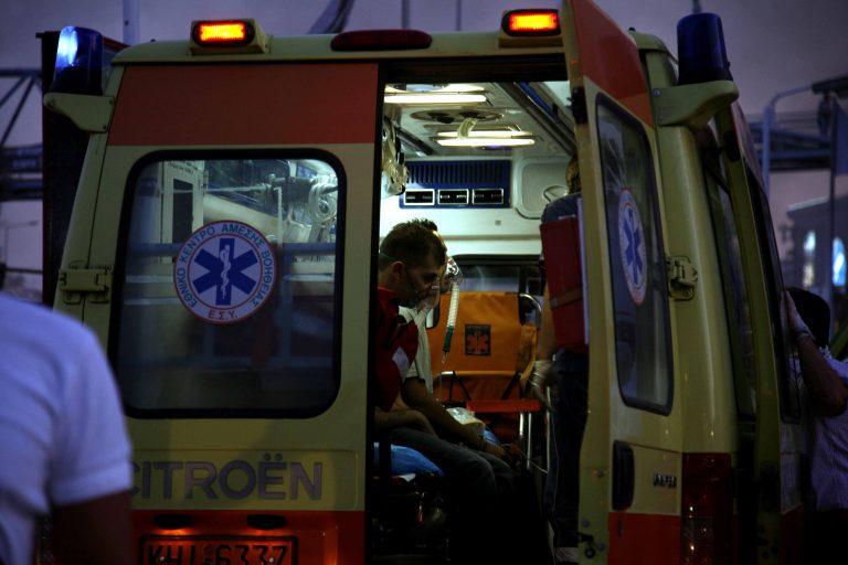 Έκαψαν ασθενοφόρο! | Newsit.gr