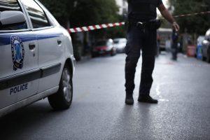 Πανικός σε super market στο Βύρωνα – Έβγαλε όπλο ο ληστής