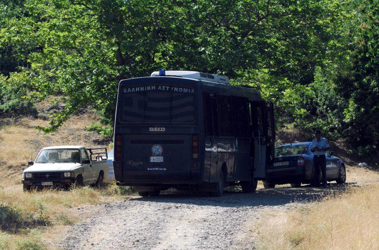 Άγρια επεισόδια – Δυο χωριά εναντίον τσιγγάνων στη Νάουσα | Newsit.gr