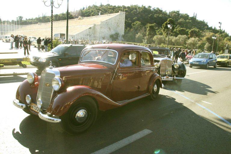 """Πρωτότυπο ταξίδι με οχήματα """"αντίκες""""..στην χώρα μας!   Newsit.gr"""