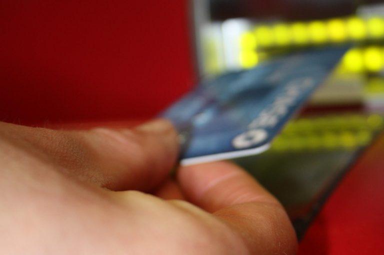 Εφτιαχναν κάρτες κλώνους και σήκωναν λεφτά απο ΑΤΜ   Newsit.gr