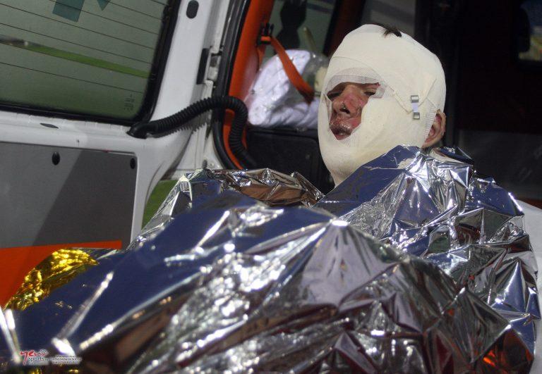 Με εγκαύματα από καπνογόνο αποχώρησε φίλαθλος του Ατρομήτου (ΦΩΤΟ) | Newsit.gr